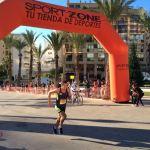 Más de 3.000 corredores participaron el domingo en la XXXII edición del Medio Maratón, VI de los 10 Kilómetros de Benidorm y la II Mini Maratón batiendo así el récord de ediciones anteriores.