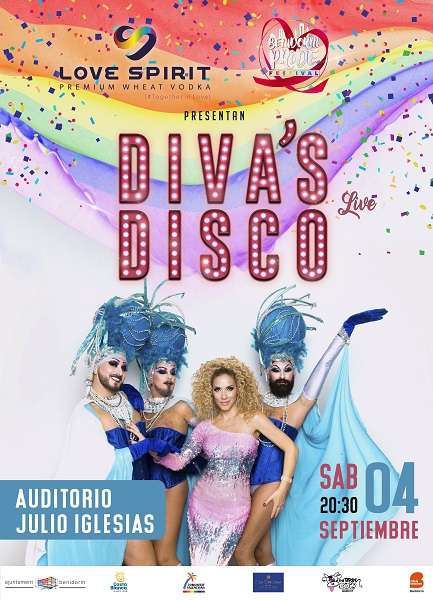 Cartel de 'Diva's Disco' donde se ve una chica con un vestido rosa de lentejuelas, rodeada de tres hombres con barba vestidos con vestidos cortos azules y tocados con plumas..
